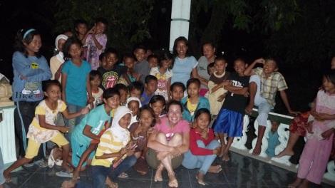 Parfois, dormir chez l'habitant à Palu (Indonésie), ça peut vite tourner en folie (100000 INR pour deux, repas inclus)