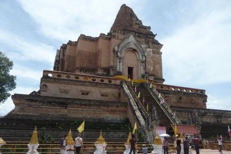 stupa-effondré
