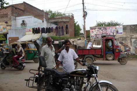 Rajesh prêt à prendre la route!
