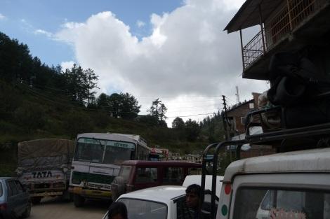 les-embouteillages-au-milieu-de-nulle-part-inde