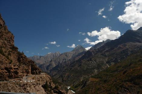 Blog Sarchu 1 Route dans la vallée