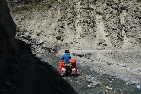 Blog Sarchu 6 la route pierreuse