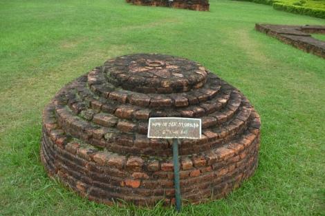 Ceci n'est pas la pierre sur laquelle Bouddha est né